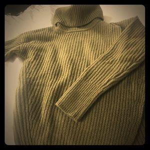 Banana republic army green wool sweater